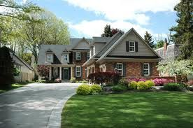 House with a driveway
