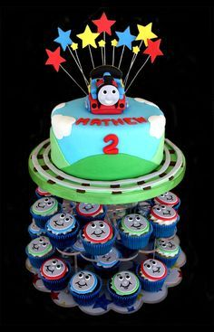 Strange Thomas The Train Birthday Cake With Thomas Face Themed Cupcakes Funny Birthday Cards Online Eattedamsfinfo