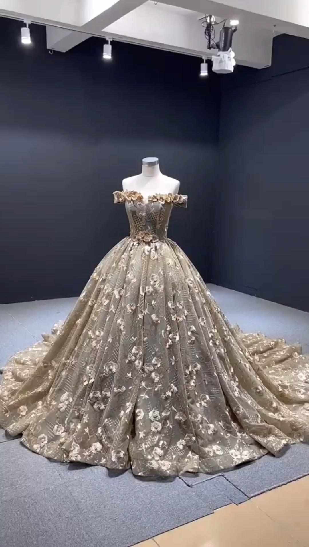 Vintage 18D lace sweet 18 dress.#sweet18dress #quinceanera