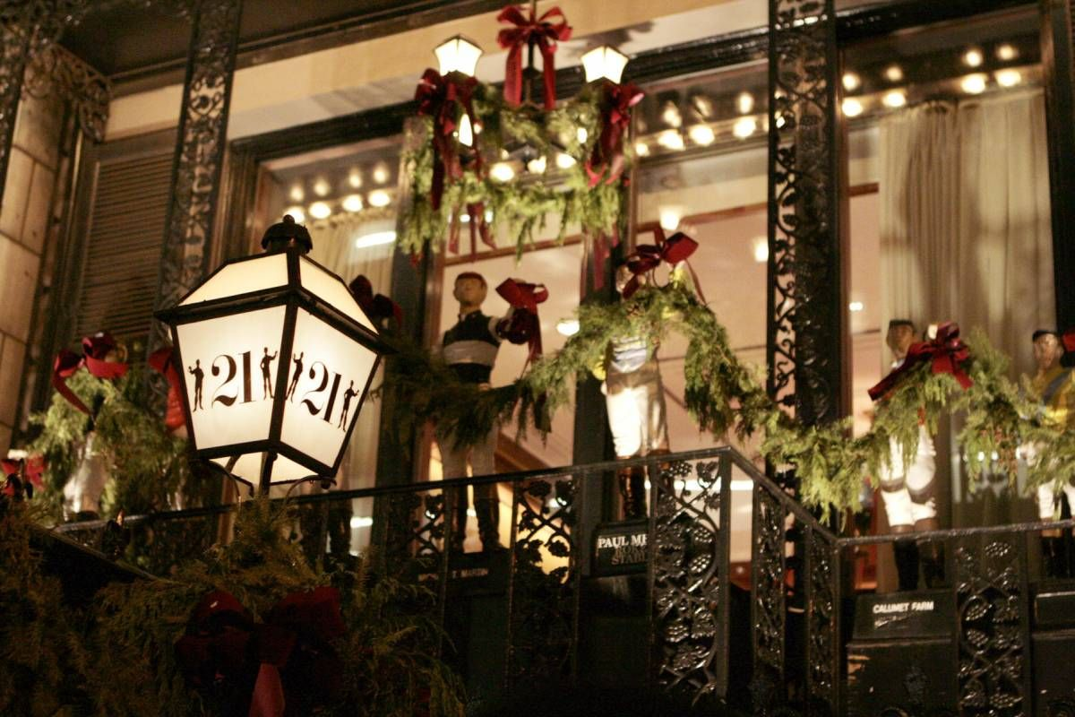 dine in seasonal style in new york city restaurants like 21 club rolfs and gotham bar grill
