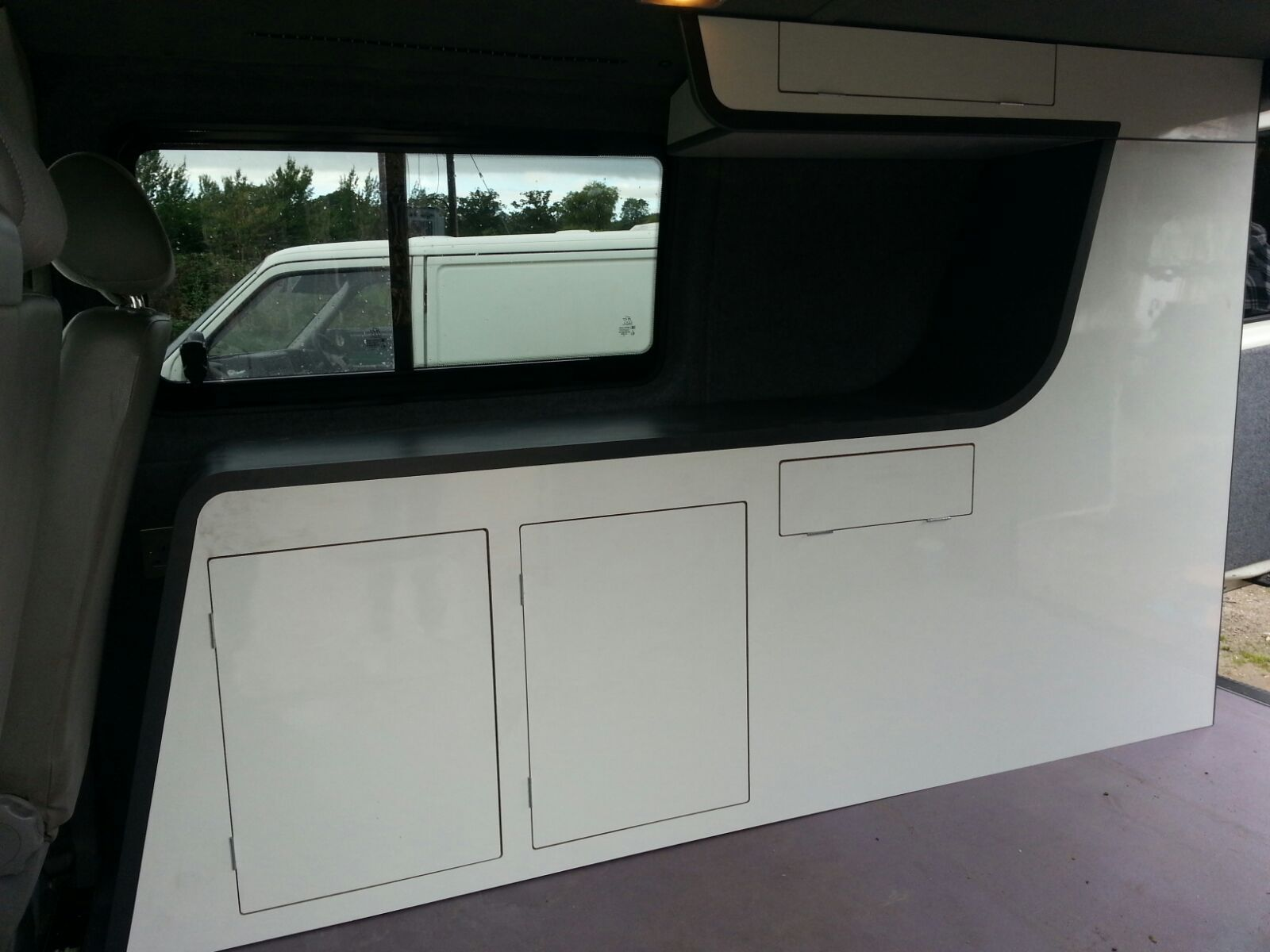 Vw t5 conversion lwb transporter t4 camper van conversion for Vw t4 interior designs