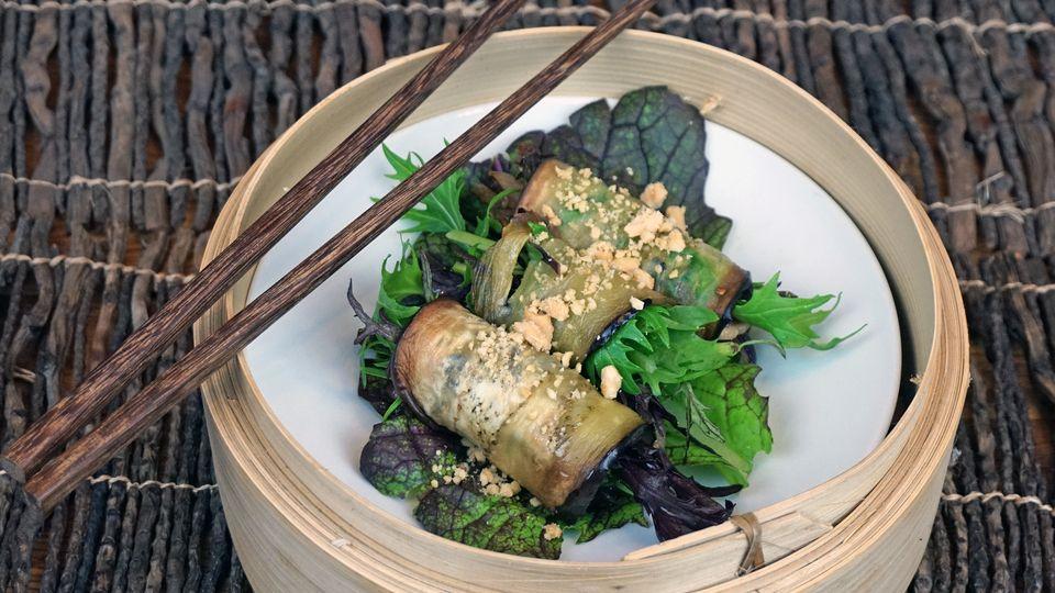 Asiatische Auberginen-Röllchen