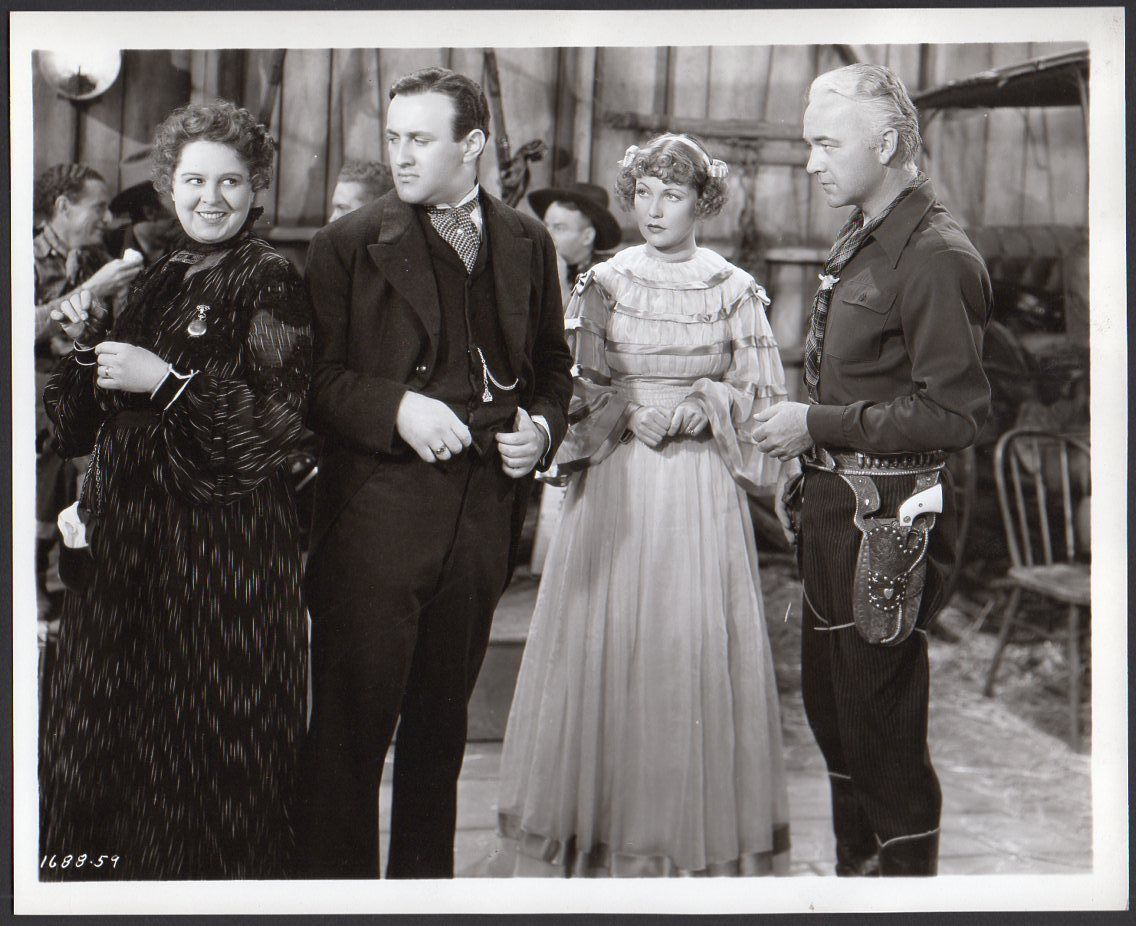 William Boyd, Muriel Evans, Lee J. Cobb, and Dot Farley in ...