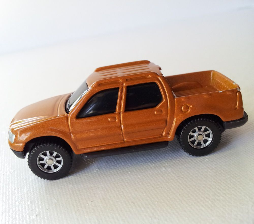 Ford Sports Car Models: Maisto Diecast 1/64 Scale Model Car