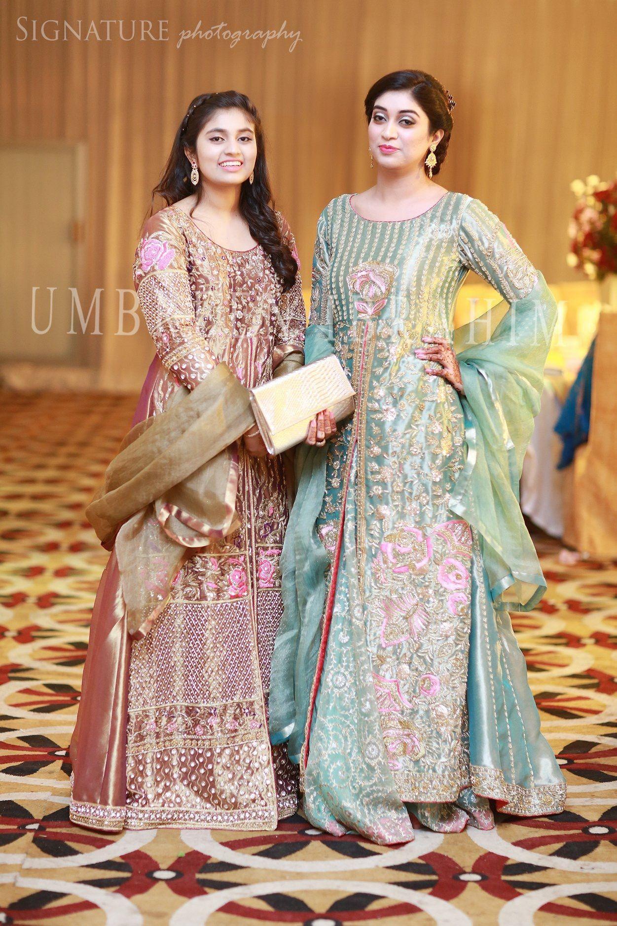 Brides Sisters At The Barat Pakistani Bridal Dresses Pakistani Wedding Outfits Pakistani Outfits