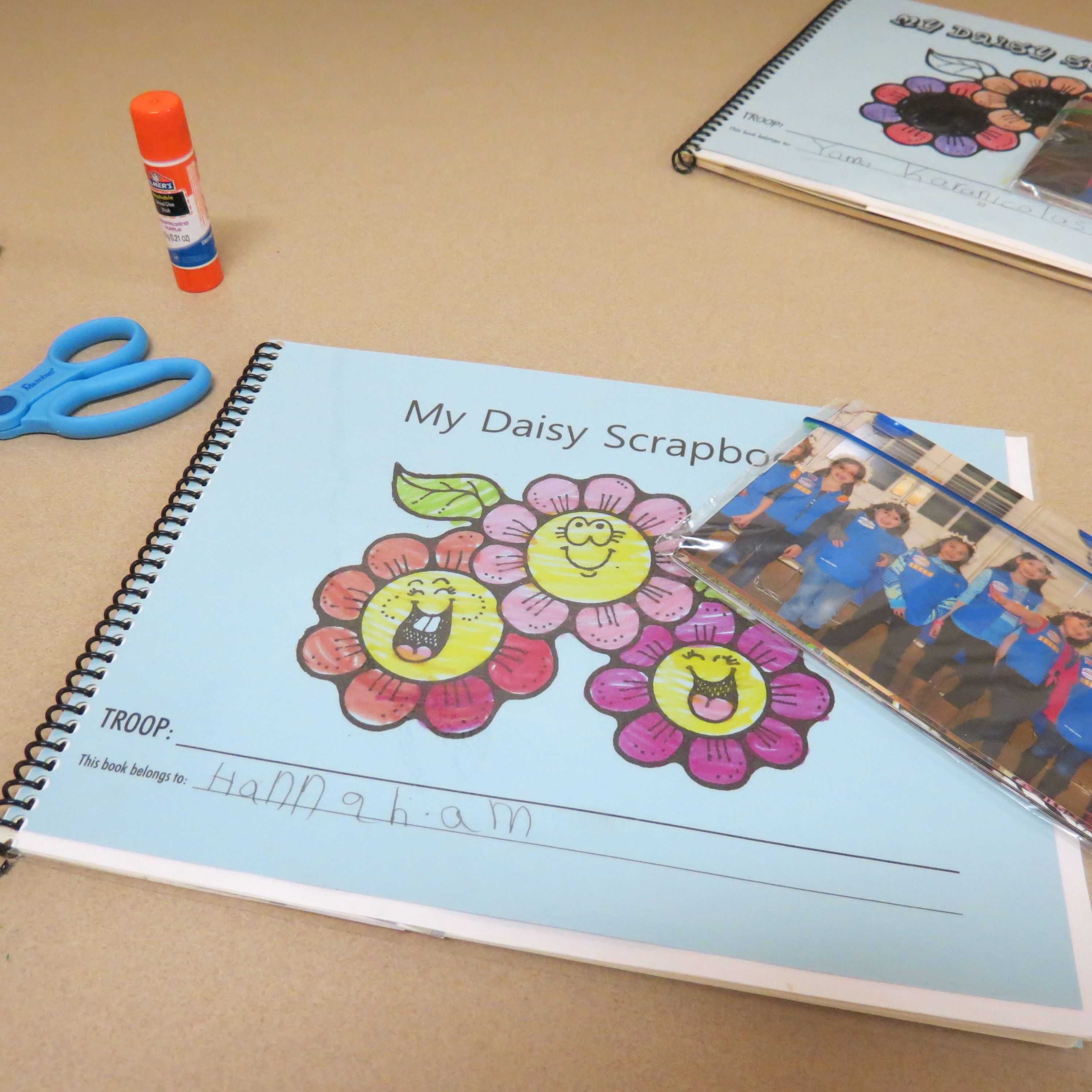 Girl scout scrapbook ideas - Girl Scout Scrapbook Every Couple Weeks The Girls Have A Chance To Add Pictures From