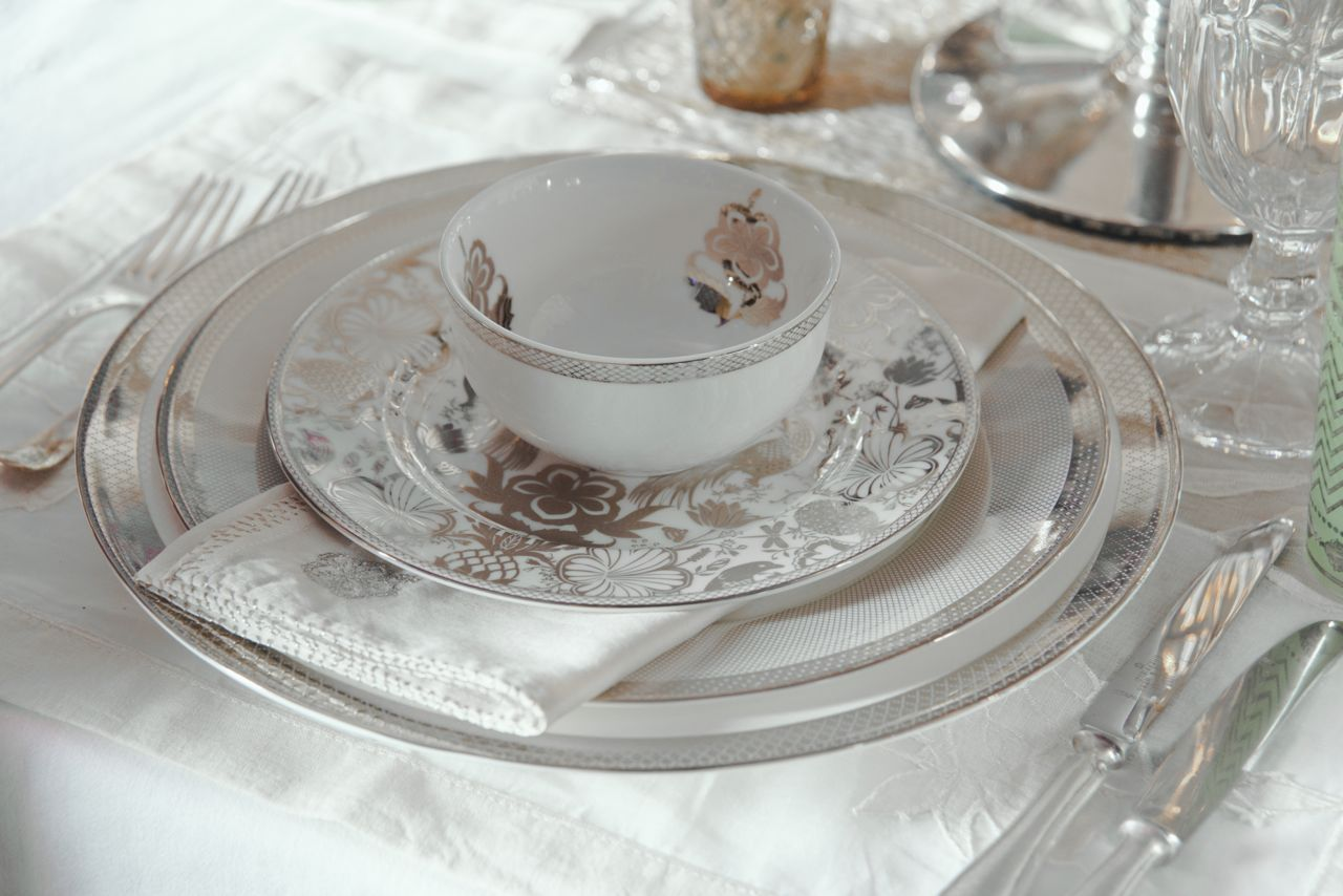 THE ESKANDER COLLECTION is a tribute to conqueror Alexander of Macedonia know as Eskander in Persia. He opened up the route between Central Asia & the Mediterranean and this brought in its wake great riches and a cross pollination of cultures, ideas and designs. The Eskander dinnerware of fine bone china is a perfect addition to any #BridalWishlist , discover it on our #WebBoutique . #EntertainInStyle