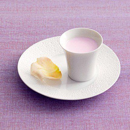 Recette de crème à la rose - Recette de Philippe Andrieu, chef pâtissier chez Ladurée