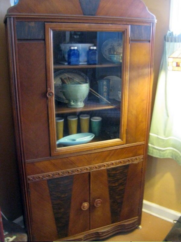 VINTAGE ART DECO DINING ROOM CHINA CABINET