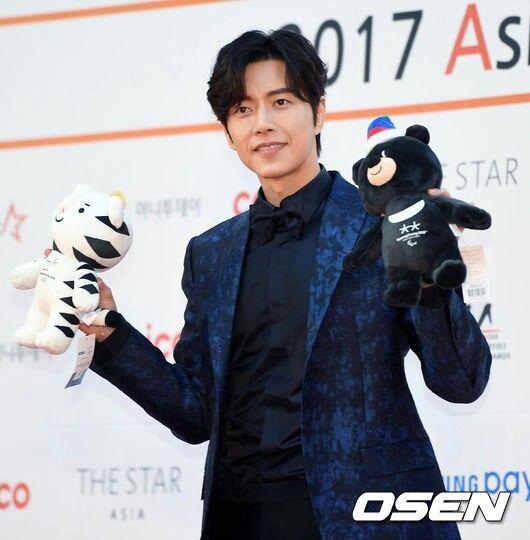 park hae jin 박해진 at asia artist awards 11.15.2017 ...