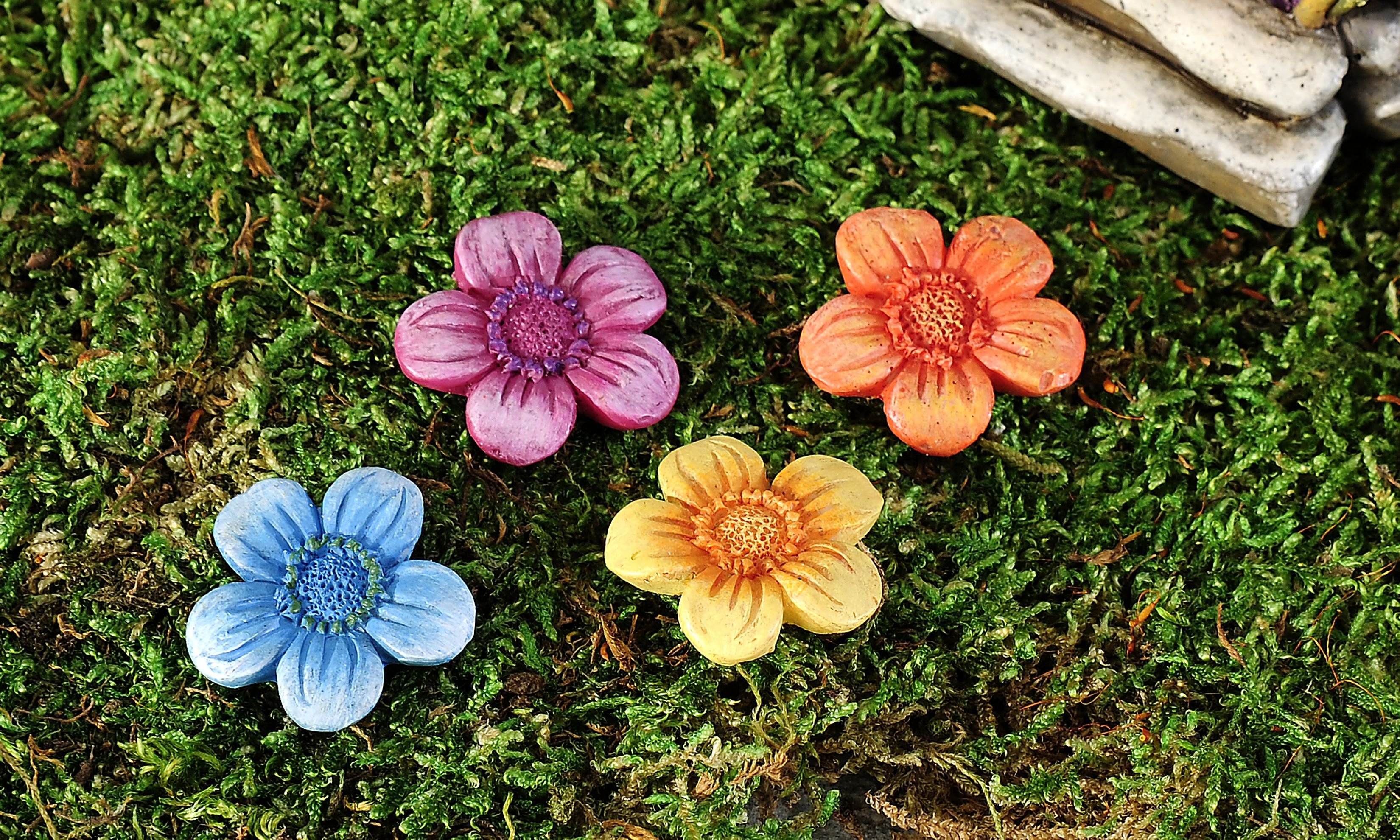 Giftcraft - Mini World Garden Fairytale Flower Stepping Stone, 4/Asst.