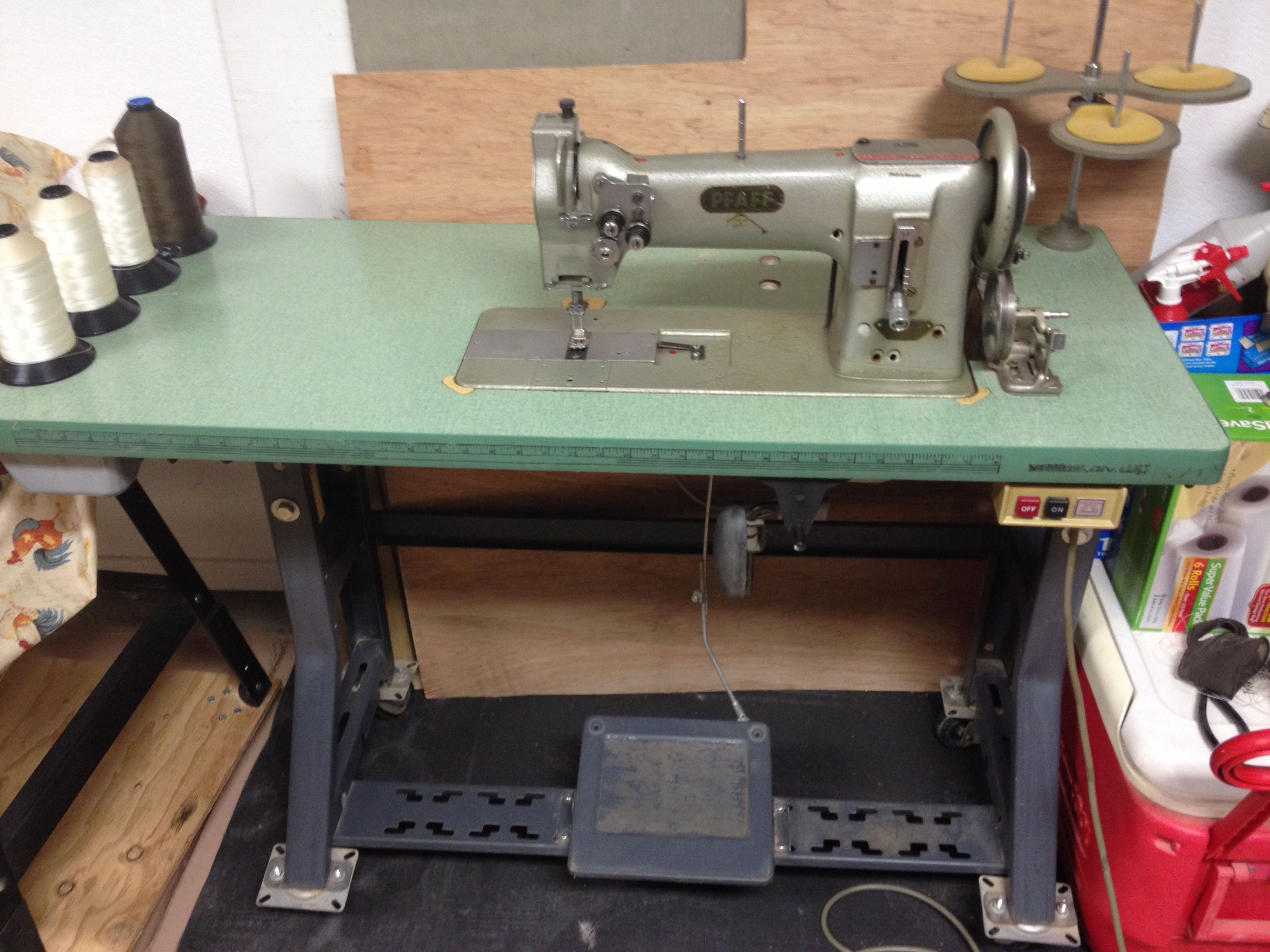 Pfaff commercial double needle 5 16 gauge sewing machine table and