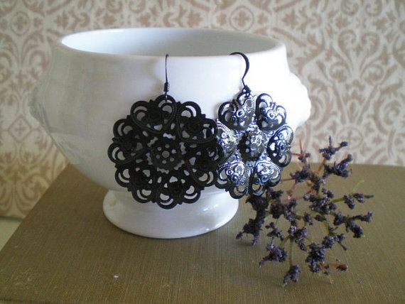 $10.50 Beautiful Black Lace Earrings from Victorian Swag