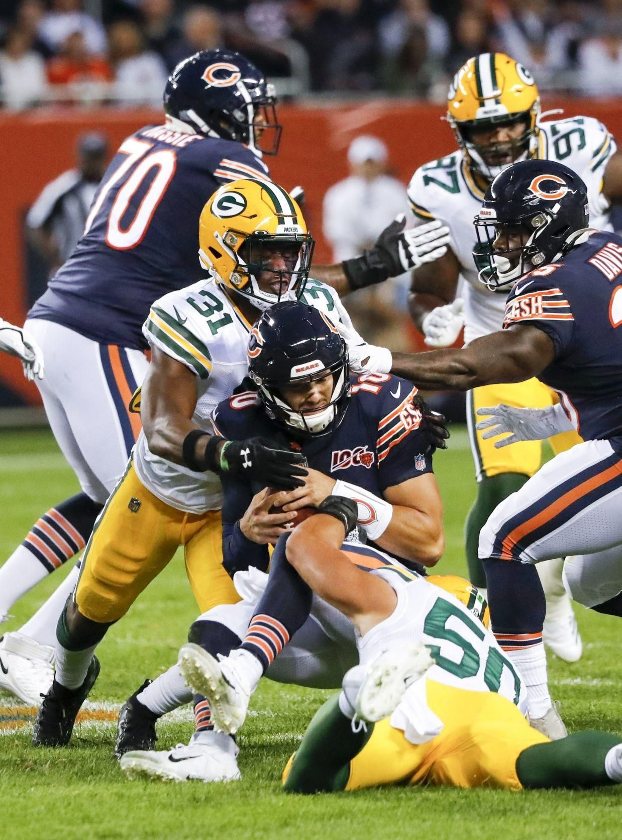 Photos Packers Defense Comes Up Big In Season Opening Win Over Bears With Images Nfl Football Games Packers Green Bay Packers Fans