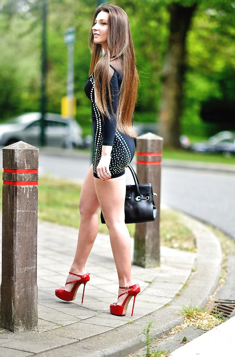 long hair hot babes nude