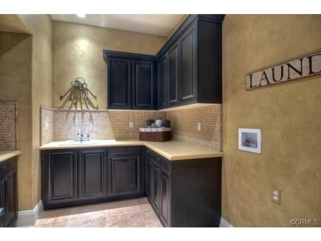Imaginecozy Staging A Kitchen: This Laundryroom Has It All!