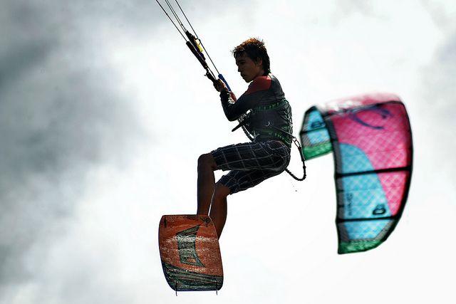 Kitesurf  by Lobobluess, via Flickr