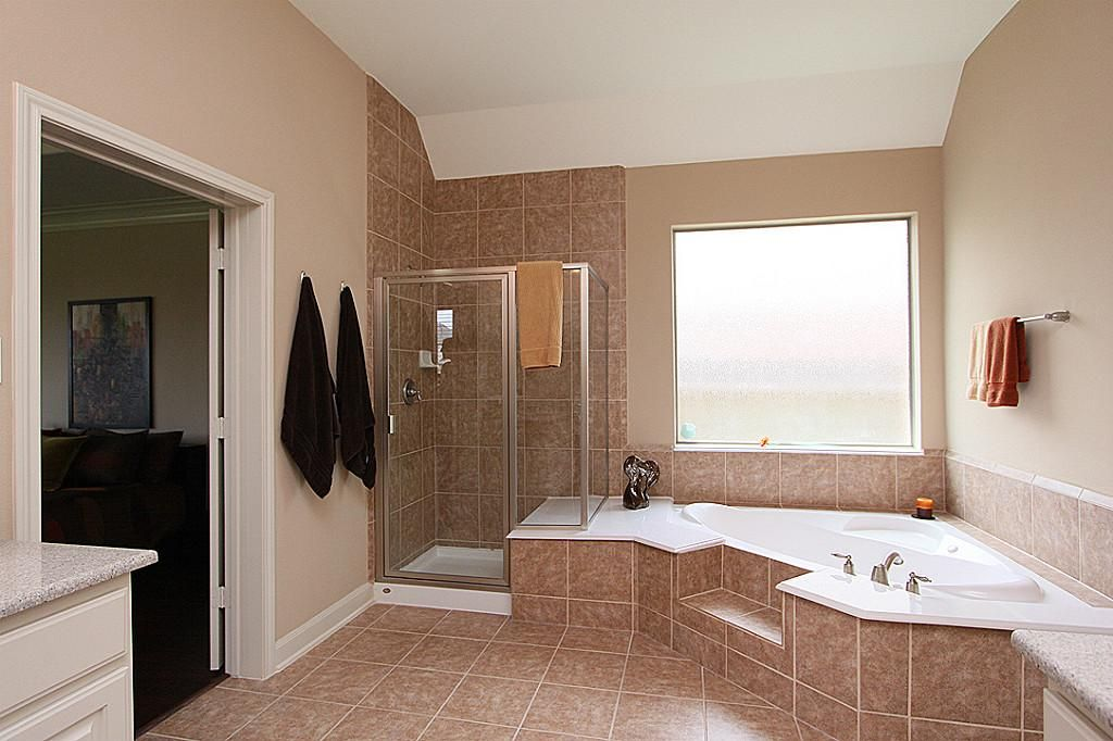 Separate Garden Tub And Shower With A Seat With Images Shower