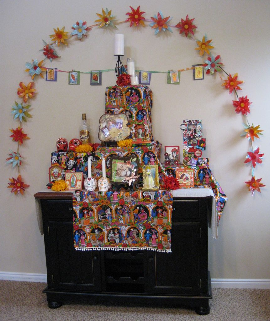Halloween Wedding Altar: Made By Nicole: Dia De Los Muertos Ofrenda (Alter)