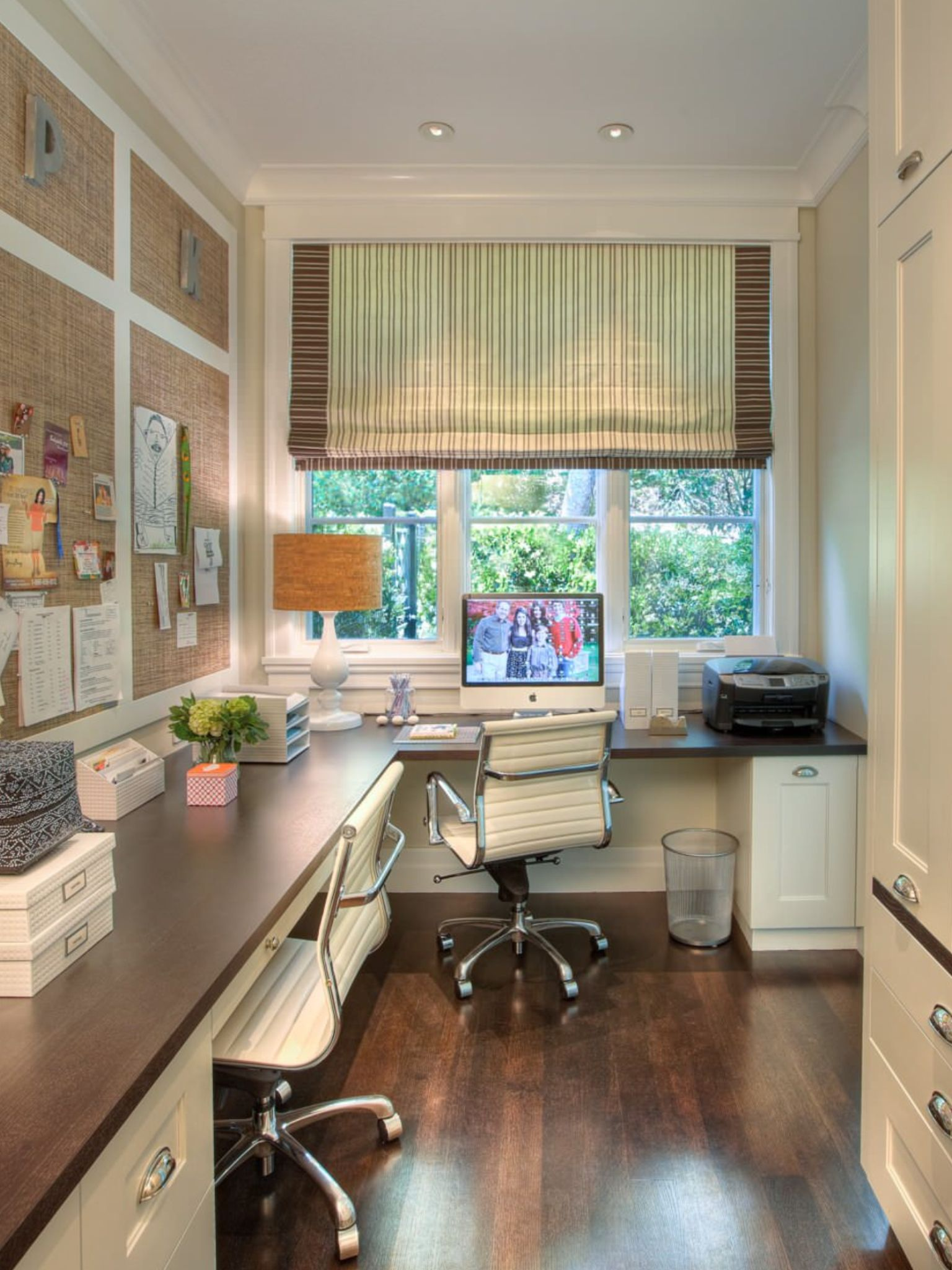 Smart Home Office Designs For Small Spaces Feminine Home Offices Home Office Design Home Office Space