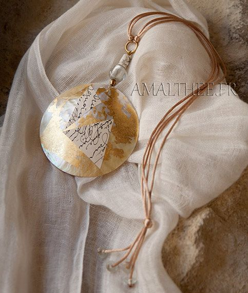 Mother of pearl contemporary necklace