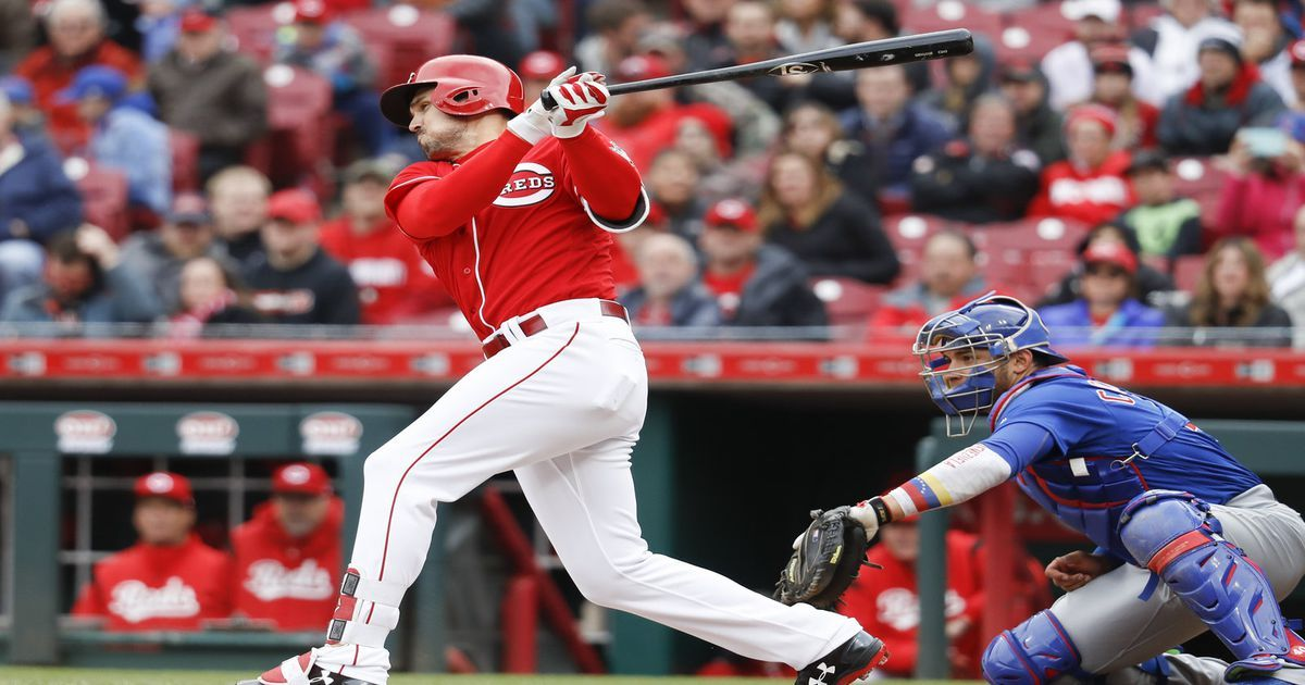 Reds get parade, edge Cubs 10 on 2hitter for their 1st