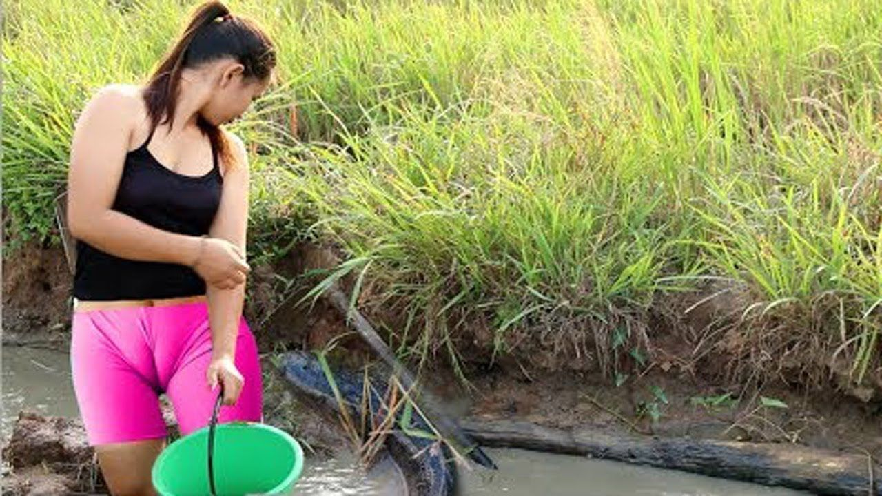 Wow amazing beautiful girl fishing cambodia 2017 how for Fishing for girls