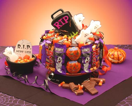 halloween cakes halloween gifts halloween cake 300x242 elegant halloween wedding cakes - Halloween Cake Games