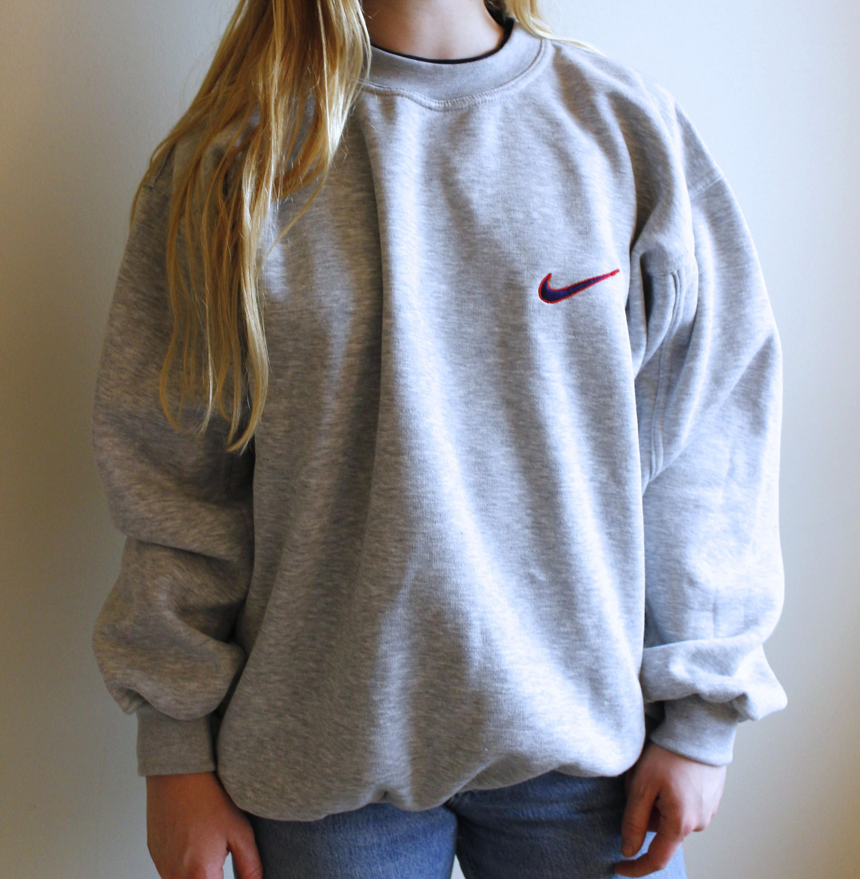 8aa05e053 Vintage Nike Pullover // 90s Nike Gray Sweatshirt // Retro Pullover by  LowTideVintage on Etsy