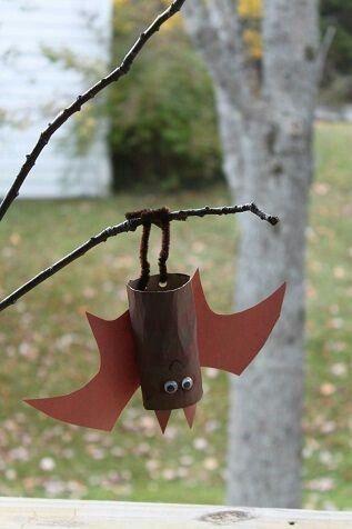 Bat craft using toilet paper roll #halloweenactivities