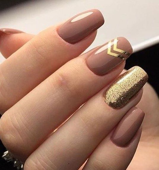 Pretty nude and gold glitter nail art ideas