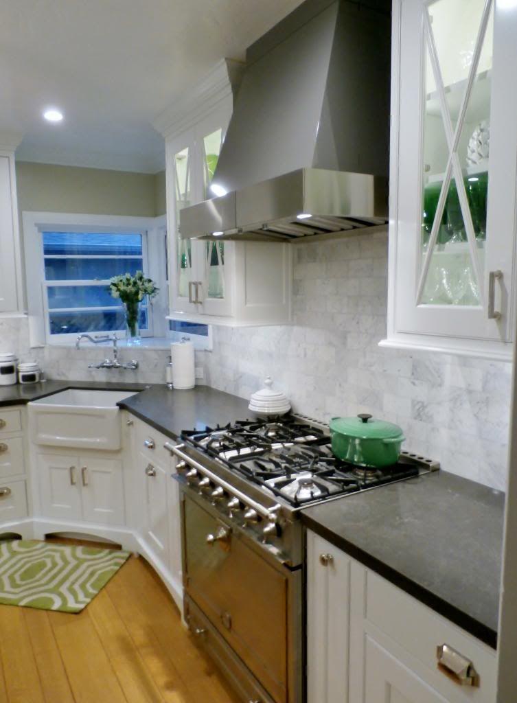 Best Piatra Gray Quartz Countertop With Carrara Marble 400 x 300