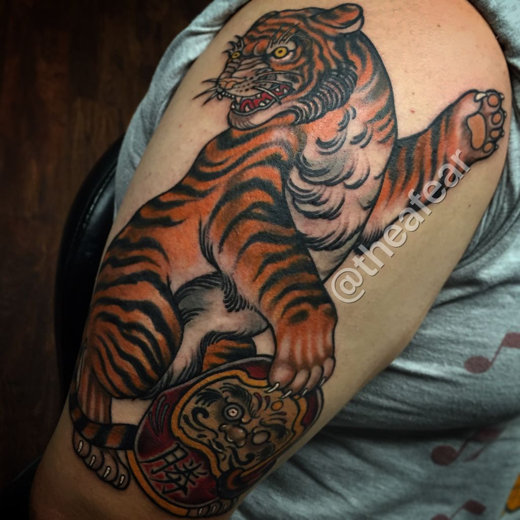 Neo Japanese Tattoo: Neo Traditional Japanese Tiger And Daruma Doll Tattoo By