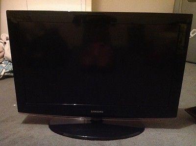 "Samsung LCD black 32"" flat screen tv - http://www.computerlaptoprepairsyork.co.uk/monitorstv-screens/tvs/samsung-lcd-black-32-flat-screen-tv"