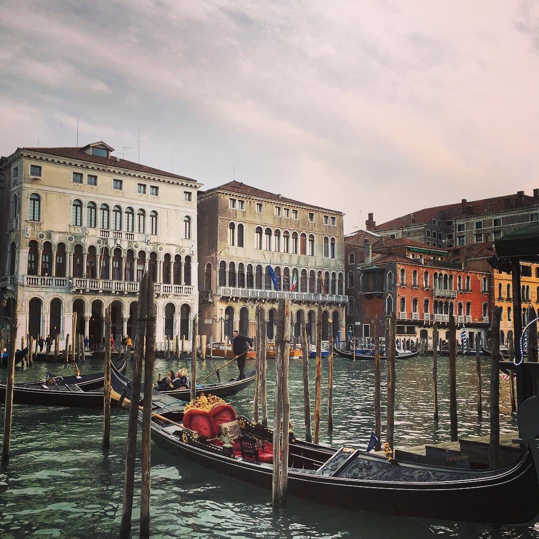 Vintage Vibes in Venice - Vicki Archer //