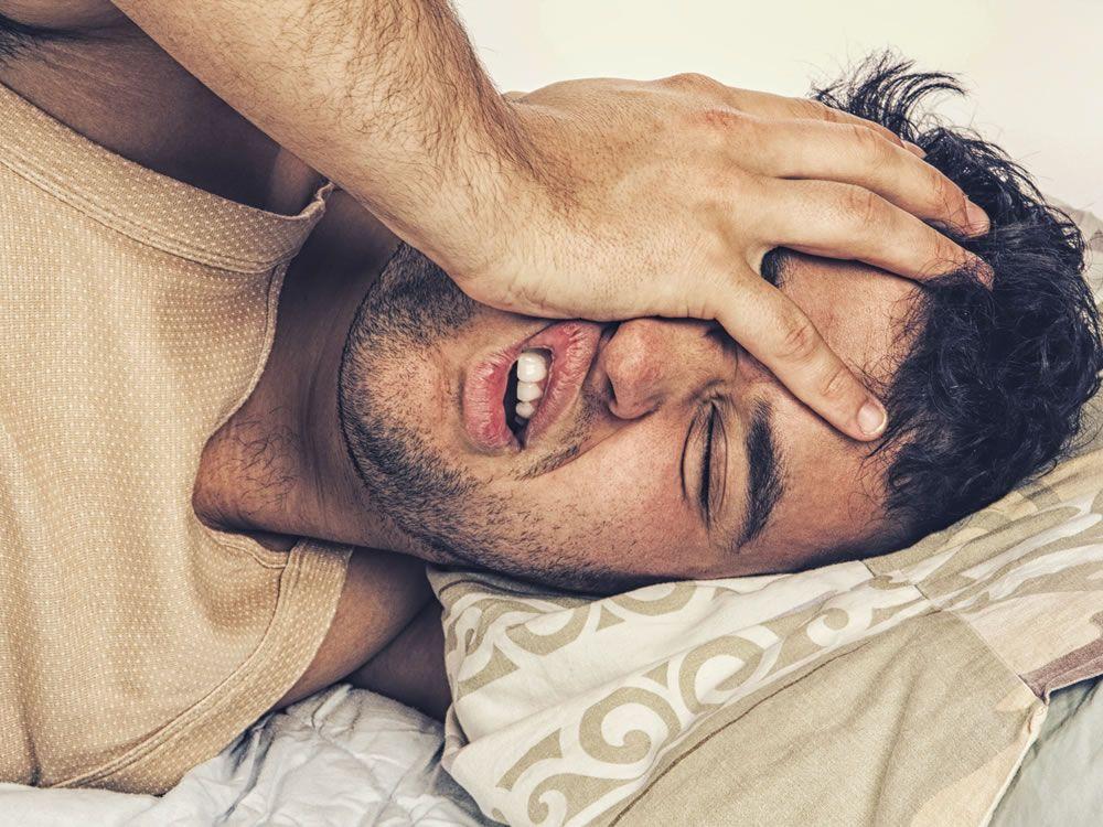 5 consigli per smettere di russare e avere notti migliori