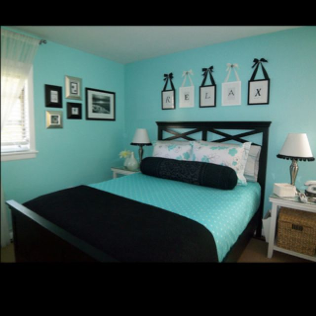 Aqua & Black...love it | Tiffany Wall | Pinterest | Ponche navideno ...