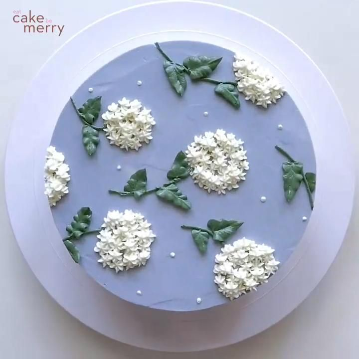 Amazing Buttercream Hydrangea Cake