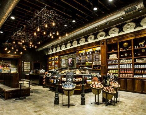 Starbucks Unveils New Store Inspired By New Orleans Coffee Heritage And Artistic Spirit Starbucks Stories Coffee Shop Design Coffee Shop Decor Vintage Coffee Shops