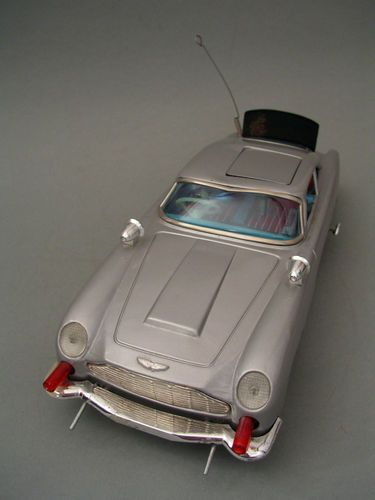 Made in Japan Aston Martin James Bond 007 Vintage Battery Tin Toy Car 1960'S | eBay
