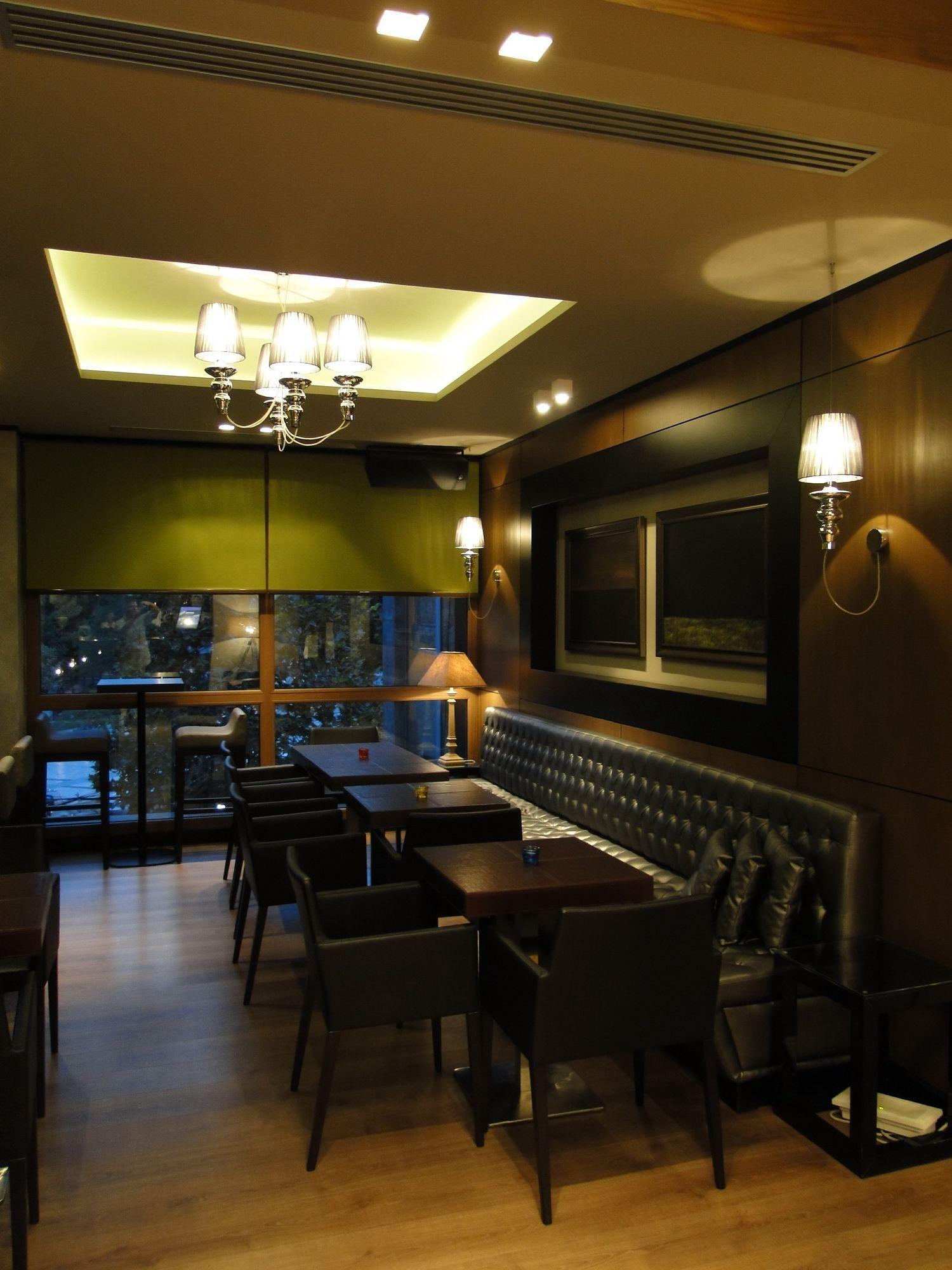 Gadora Collection By Evi Style At Delano Lounge Restaurant Tirana Albania Thanks Reflectlights Gadorachandelier Evistyle Made Restaurant Home Home Decor