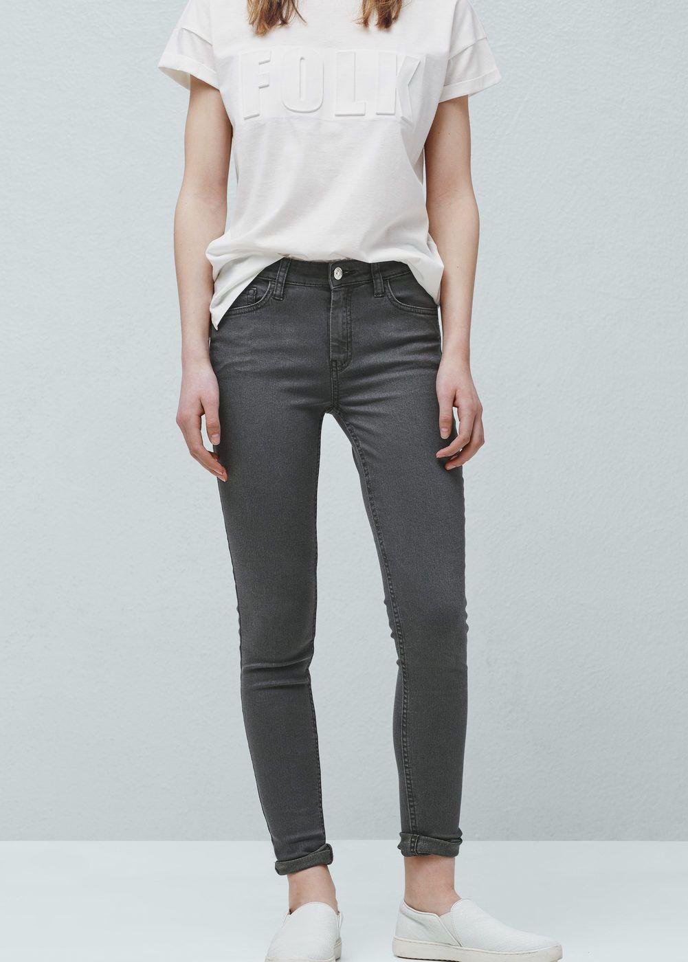 Jeans skinny (cinzento): MANGO (19,99€)