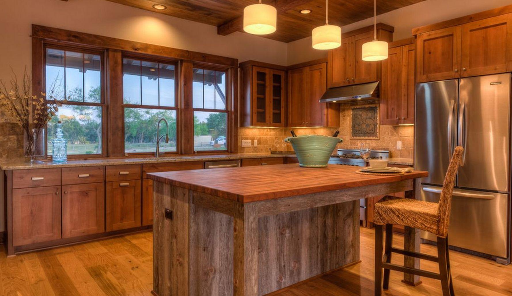 Cocina r stica de madera caba as pinterest cocinas for Muebles de cocina anos 80