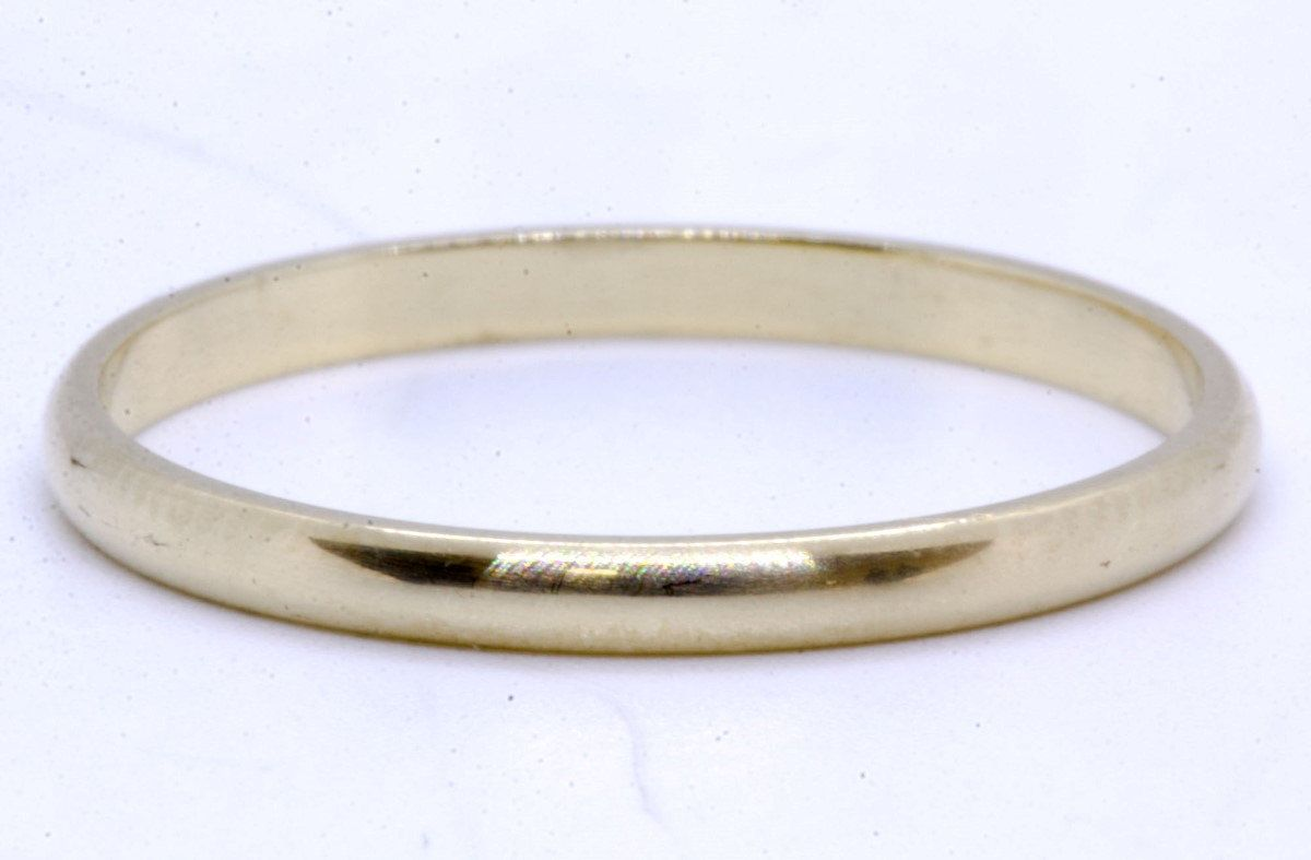 10K Solid Yellow Gold Classic 2mm Thin Plain Simple Dainty Polished Wedding Band Ring Size 8.5 by LadyLibertyLuxury on Etsy #GoldRing #WeddingBand #10kGold #10kRing #Wedding