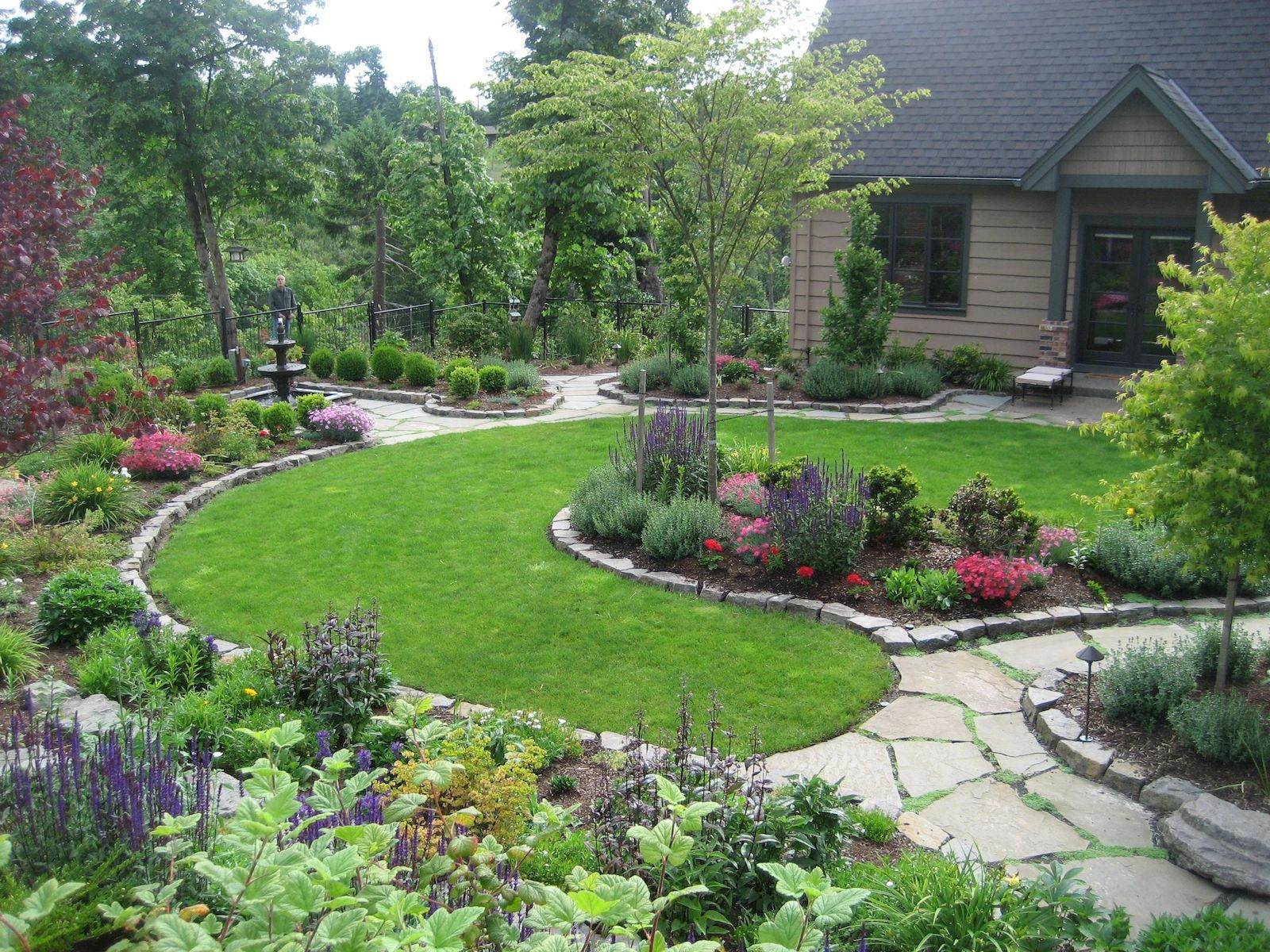 Front yard driveway landscaping ideas   Best Inspiring Front Yard Landscaping Ideas For