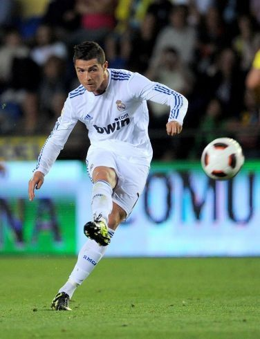 Real Madrid S Superstar Cristiano Ronaldo Scored A Hat Trick Today Against Atletico Madrid In A 4 1 Away Victory C Ronaldo Soccer Ronaldo Cristiano Ronaldo