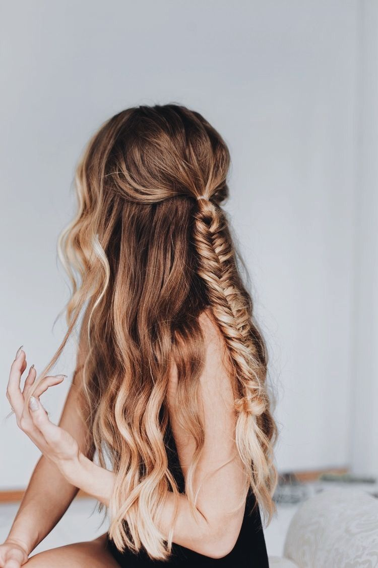 Natural Wavy Hair Fishtail Braid Long Hairstyles Half Up Fishtail Braid Ombre Hair Natural Wavy Hair Hair Styles Curly Hair Styles