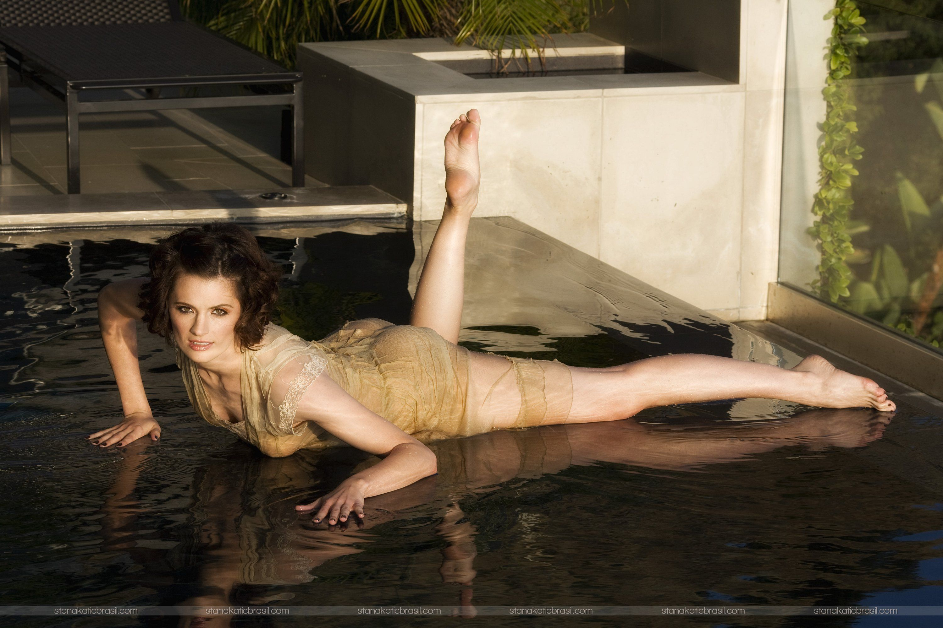 stana-katic-naked-photoshoot-asian-toon-naked