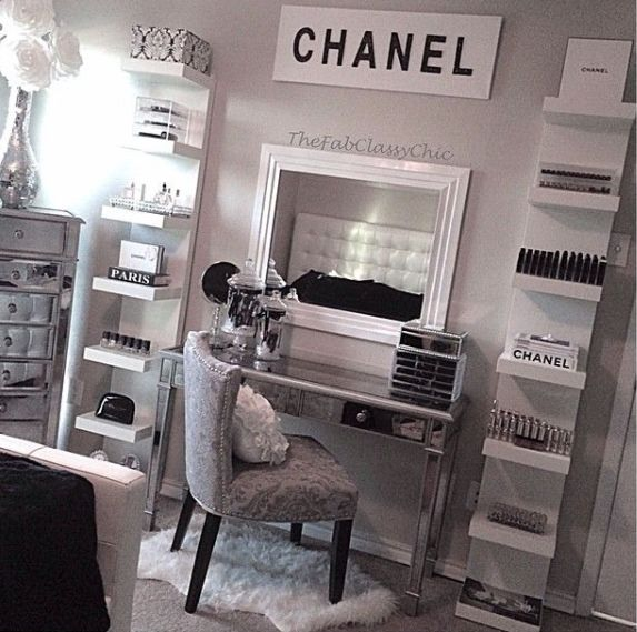 25 vanities that are basically porn for makeup addicts for Room decor ideas sara beauty corner