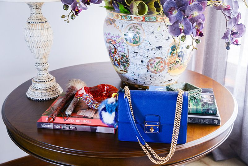 ThassiaNaves_Farfetch-12- bolsa-azul-dolcegabbana-corrente